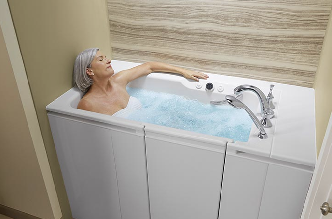 Pros and Cons of Walk-In Tubs