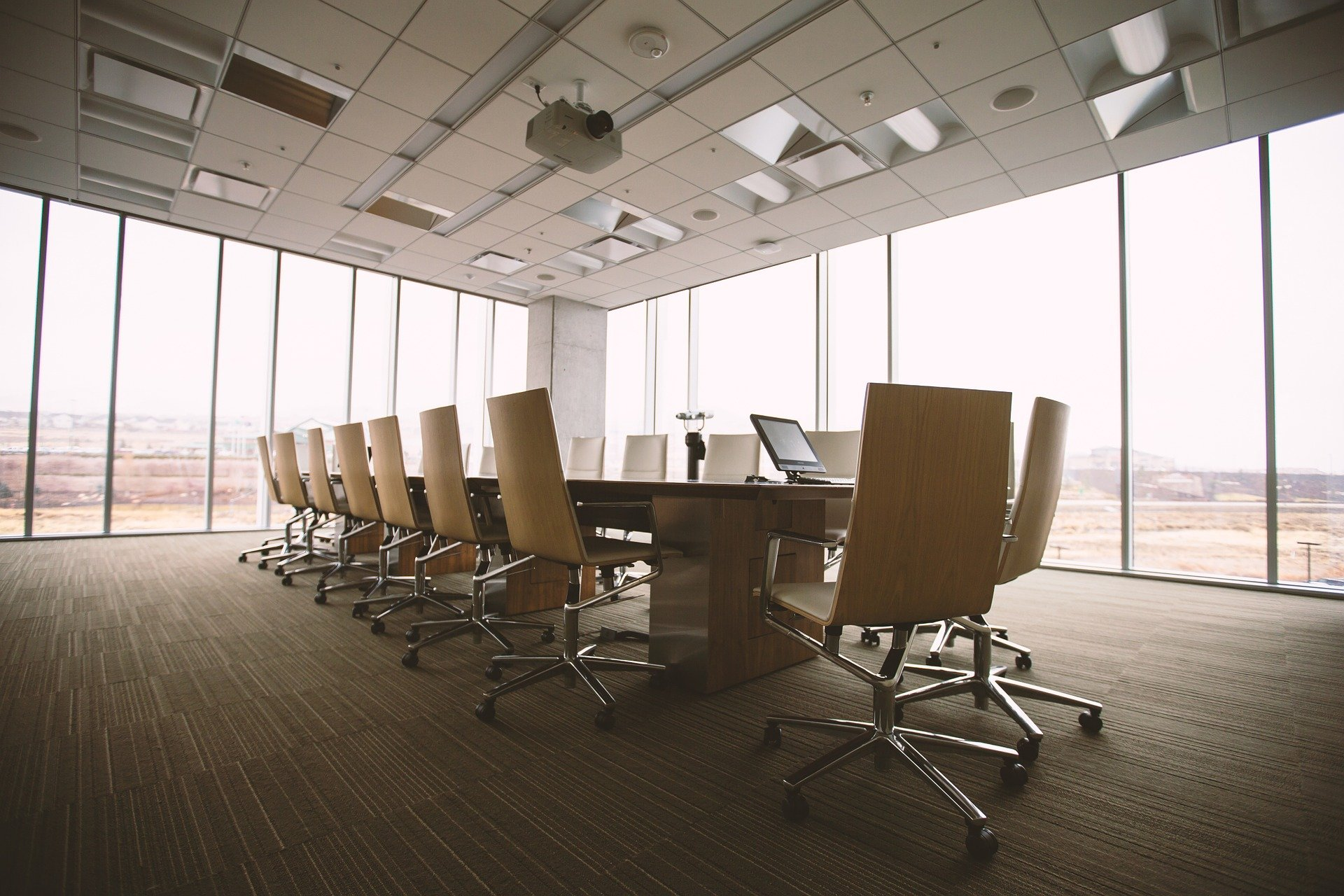 How to save space in your office? Tips from Saivian Eric Dalius